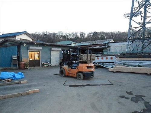 根本材木店5駐車場